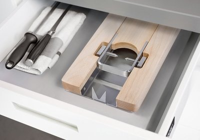 Lojamonero S, folded and stored in a kitchen drawer